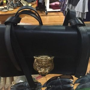 Gucci Tiger Clasp Hand Bag